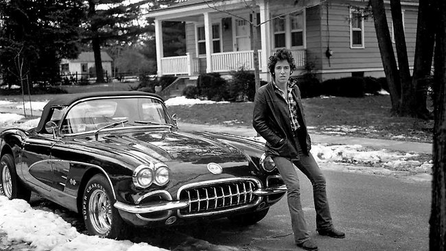 812139-bruce-springsteen-in-haddonfield